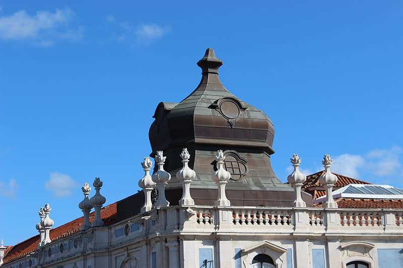 More palace details