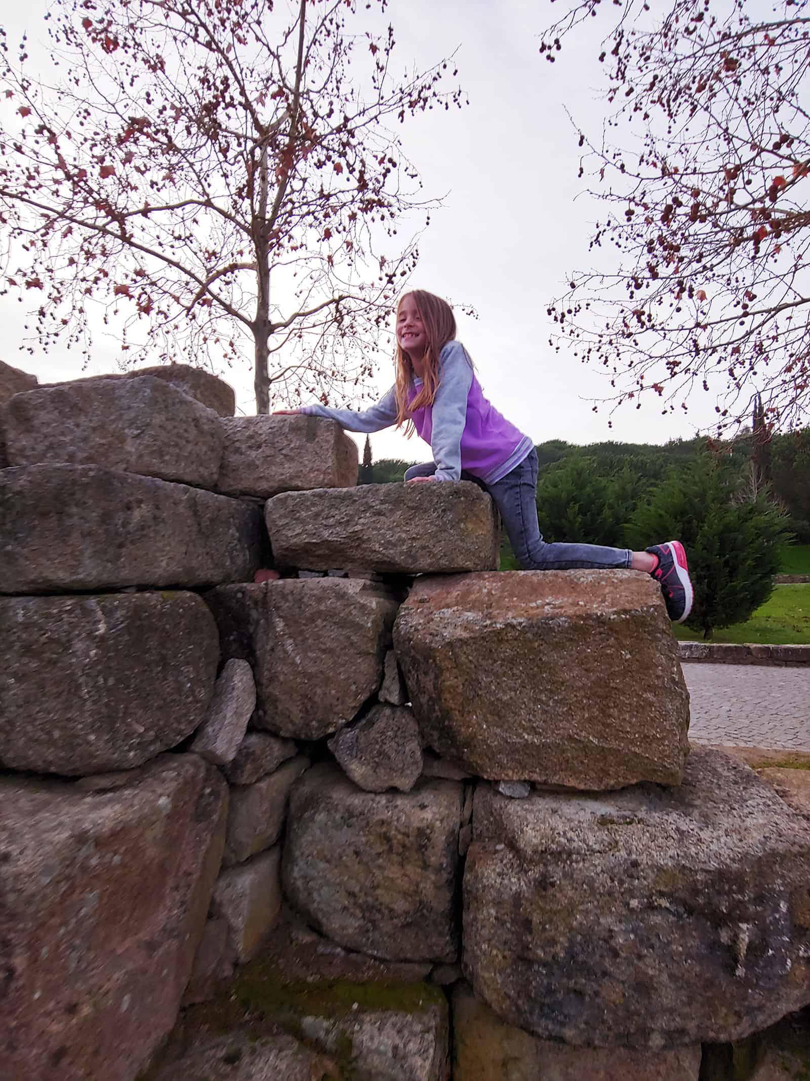 Lisbon climbing the wall